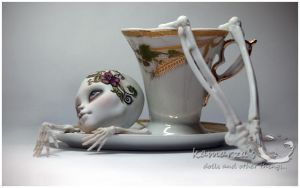 waiting for the body.....1 by kamarza
