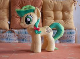 Apple Fritter Plushie by navkaze