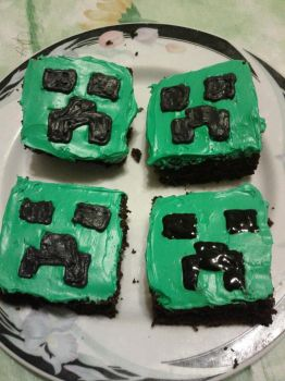 Creeper cakes by didi510