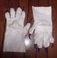 [For sale] White handpaws with purple claws by Menevoreth