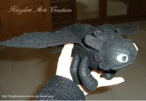 Toothless plushie by KingdomArtsCreations