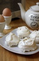 Homemade Meringues by claremanson