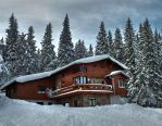 Cosy shelter in the mountain by bugsbunny90