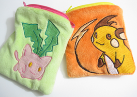 Raichu and Hoppip coin purses by aSourLemon