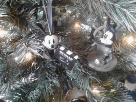 Oswald and Mickey ornaments by Disneyfan84