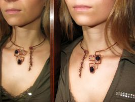Bohemian necklace - modelling by Astukee