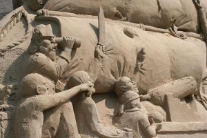 Giant Sand Sculptures V by Dellessanna