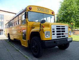 American School Bus.. by someoneabletofindana
