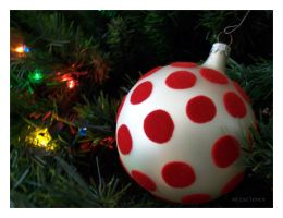 Ornaments: Dotted by mizscience