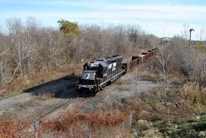 NS 5347 Ducking Under US 41 by ShayNo7