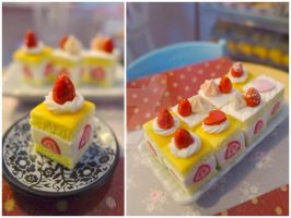 1/6 scale strawberry shortcake squares by LittlestSweetShop