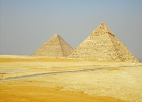 Dem pyramids by Fortisinprocella