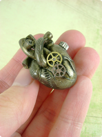 Antique Brass Anatomical Heart by monsterkookies