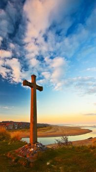 Alnmouth Cross by newcastlemale