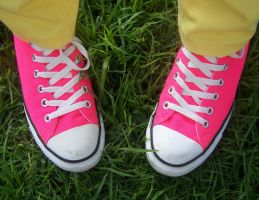 My Pink Converse by shadowfallx