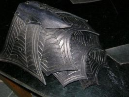 Drow shoulder by Feral-Workshop