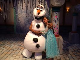 I meet Olaf the Snowman in person and huggle him by Magic-Kristina-KW