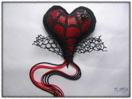 Adelaide Spider Heart by Delocatio