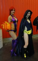 NYCC2013 Starfire and Raven by zer0guard