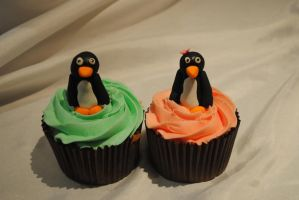 penguin cupcakes by starry-design-studio