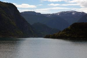 Sailing the fjords to Skjolden 09 by abelamario