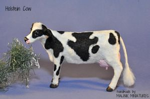Dollhouse Miniature Realistic Holstein Cow OOAK by malinikminiatures