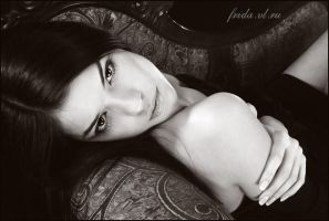 Beautiful N.. by frida-vl