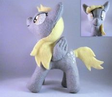 Plushie Derpy Hooves by Pinka-Starlight