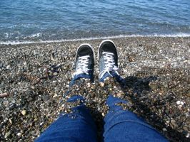 Two feet to the sea by speedyfearless