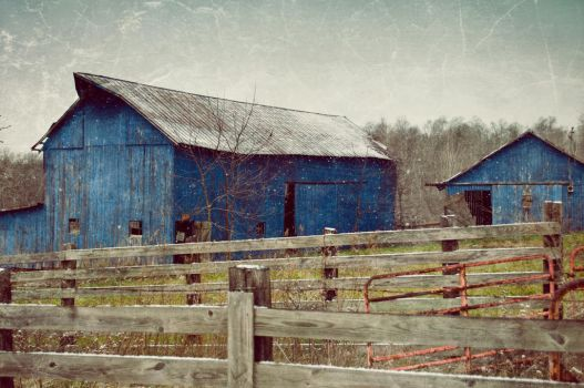 Vintage Barn by sixwings