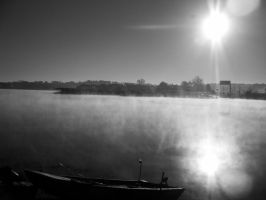 Foggy Sideview of the Lake by kAoTiCwOnDeR