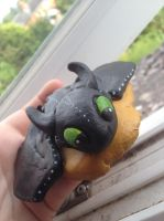 Toothless (How to Train Your Dragon) by AimzzArt