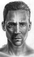 Tom Hiddleston - Coriolanus by Mannaz11