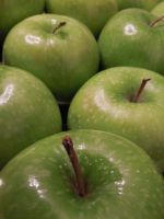 Granny Smith Apples by crotafang