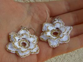 white gold earings by craftinglady