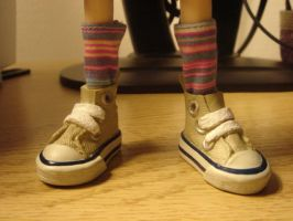 Pullip Sized Converse Shoes by sugar-noor