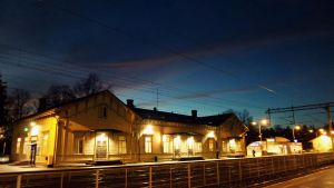 Sunset at railwaystation 2 by Lum1pallo