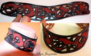 Oseberg leather choker by adalheidis