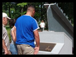Family looking at Monument by St0DaD