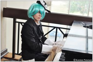 Vocaloid: Lolita Mikuo by CosplayerWithCamera