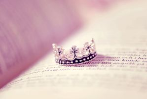 crown by emshh