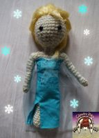 Crocheted Elsa by Cloud-Leporifelis