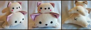 Cat tower plush by Yuwi