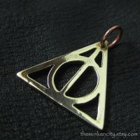 Bronze Deathly Hallows pendant by Sulislaw