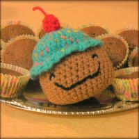 Mr Cupcake Loves Everyone, Even Ugly Muffins. ^_^ by Chudames