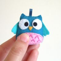 Blue and pink little owl keychain by yael360