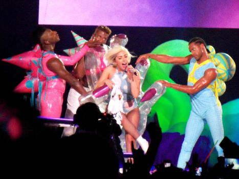 Lady Gaga artRAVE: Artpop Tour! (Closer View) by Shebby2007
