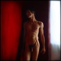 Nu masculin - mur rouge by Renoux