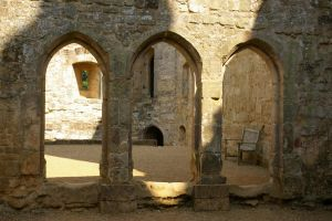 Arches and Walls by Eiande