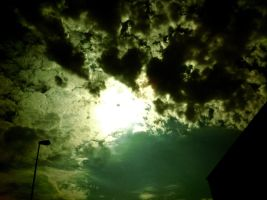 Cloudy Sky by floxx001